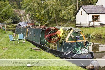 Blacklion canal moorings